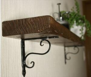 アイアンを棚受けや補強に使用するなら、黒皮鉄の金具を扱う【WOODPRO】